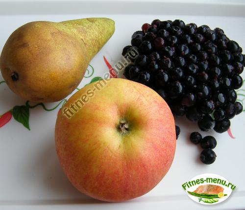 Богатые витаминами а и с еще специалисты рекомендуют регулярно употреблять яблоки